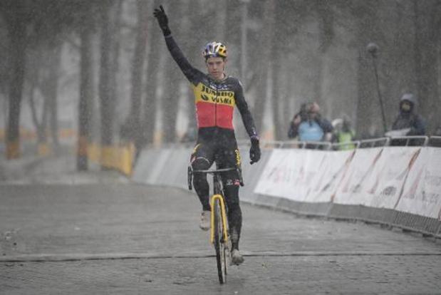 Wout van Aert espère recevoir une belle photo de sa victoire avec le maillot tricolore