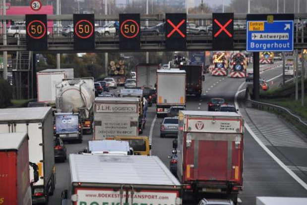In tweede week van paasvakantie 13,5 procent minder verkeer op Vlaamse snelwegen