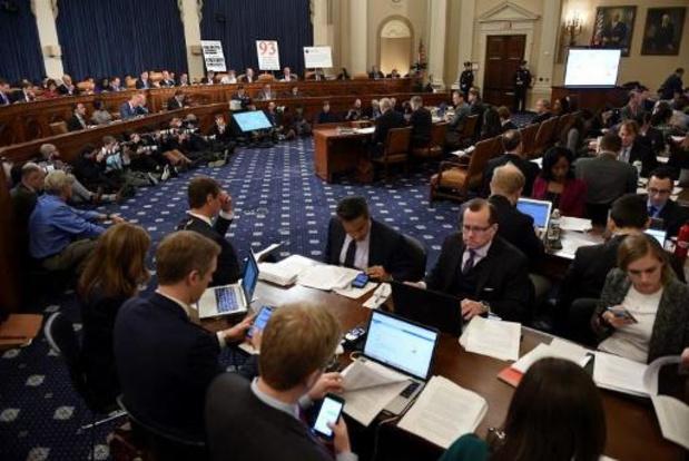 Eerste openbare hoorzitting voor impeachmentonderzoek tegen Trump van start gegaan