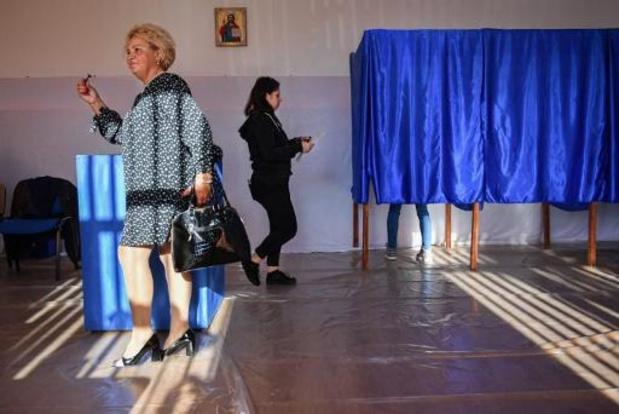 Roumanie: le pro-européen Iohannis largement en tête au premier tour de la présidentielle