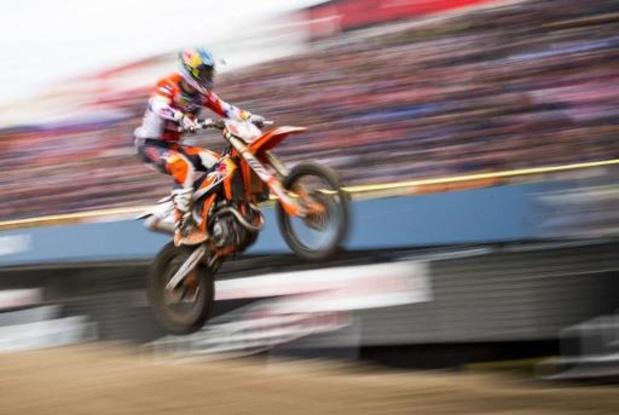 WK motorcross - Jeffrey Herlings wint eerste GP van het seizoen, zege voor Geerts in MX2