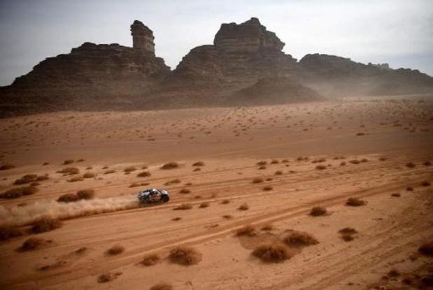 Dakar : la 11e étape pour le Qatari Al-Attiyah devant Peterhansel qui se rapproche d'un 14e titre