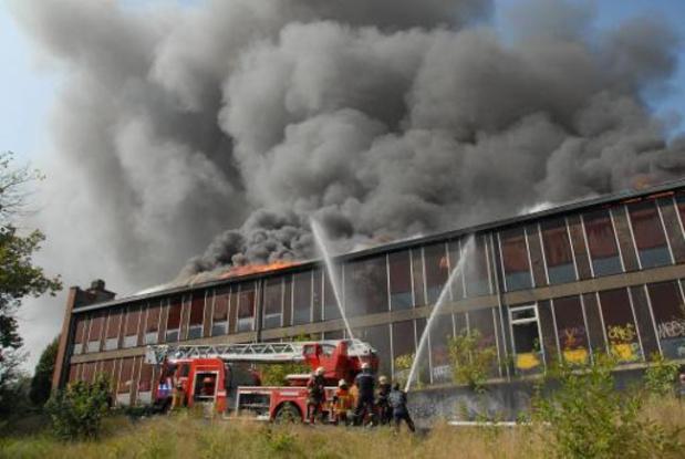 Nederlands bedrijf geïnteresseerd in recyclage onbruikbare Brusselse brandweerkledij