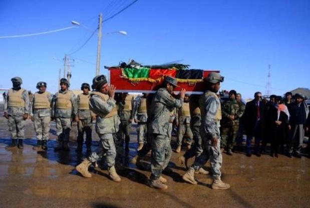 Afghanistan: des insurgés infiltrés tuent 24 policiers et soldats