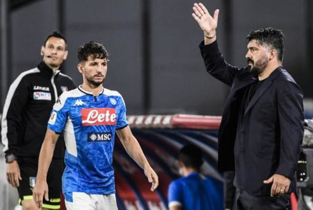 Belgen in het buitenland - Mertens valt geblesseerd uit in Napolitaanse thuiszege tegen Udinese