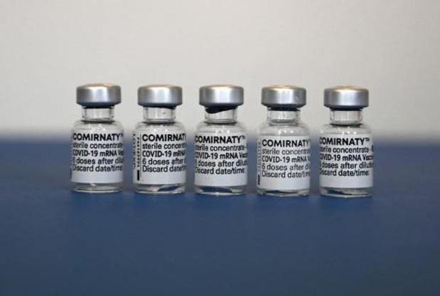 EMA: ontstekingen aan hart moeten in bijsluiter van Pfizer- en Modernavaccin