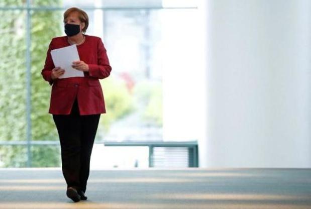 Merkel dringt aan op strengere coronamaatregelen in Duitse steden