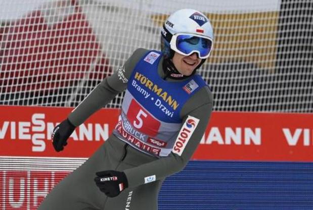 Kamil Stoch remporte la 3e étape à Innsbruck et prend la tête de la Tournée