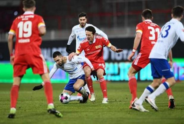 Belgen in het buitenland - Invaller Raman pakt een punt met Schalke