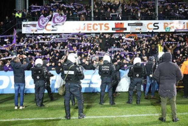 Voetbalbond dreigt met schorsing voor geplaagd Lokeren