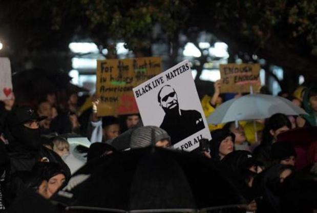 Zoon van George Floyd roept op tot vreedzame protesten