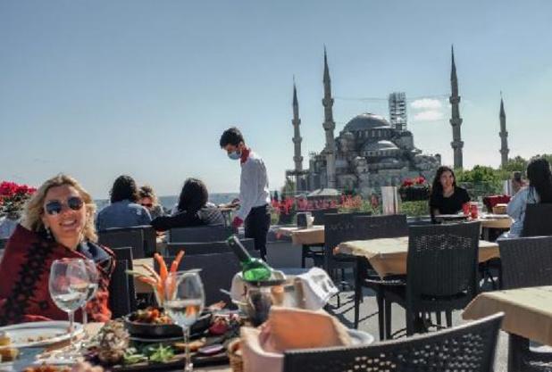 Turquie: assouplissement des mesures pour les touristes malgré le confinement