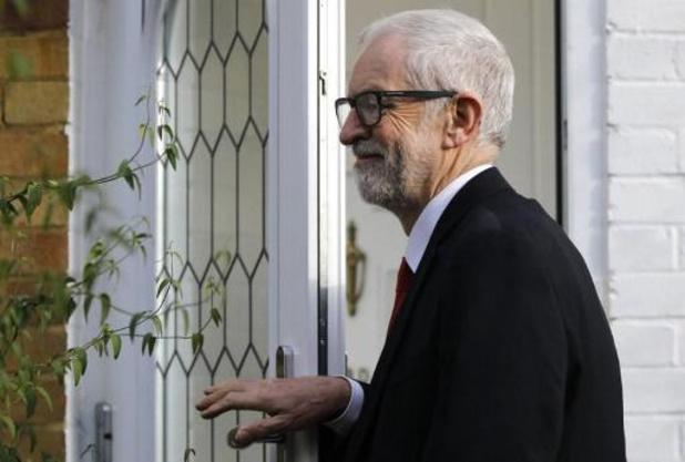 Labour-leider Corbyn slaat mea culpa voor verkiezingen