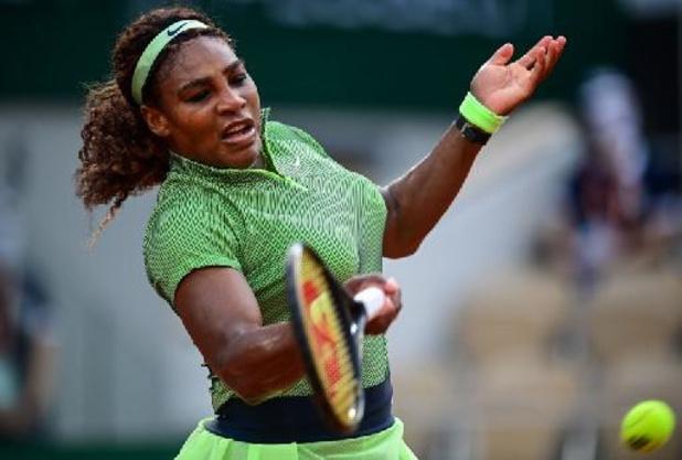 Serena Williams se qualifie dans la difficulté pour le troisième tour