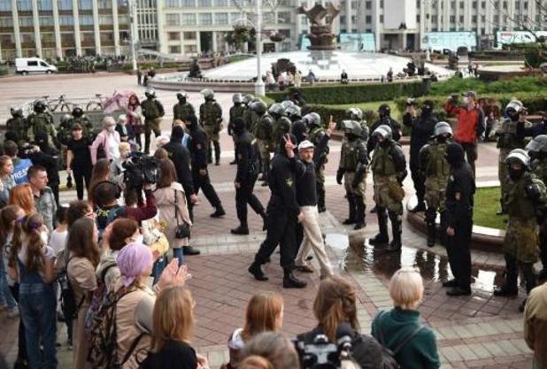 Tientallen arrestaties bij nieuwe grote betoging tegen Loekasjenko