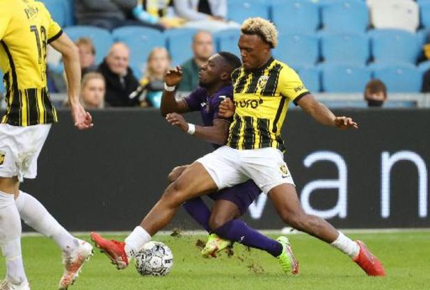 Les Belges à l'étranger - Un grand Loïs Openda, double buteur, permet à Vitesse de s'imposer contre Feyenoord