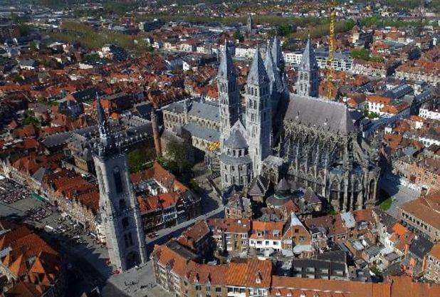 Retour d'objets épiscopaux au Trésor de la Cathédrale de Tournai.