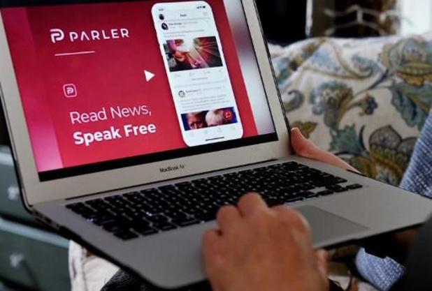 Controversieel Twitter-alternatief Parler weer online