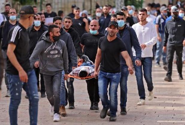 """Jérusalem: des """"centaines de blessés"""" dans les heurts lundi sur l'esplanade des Mosquées"""