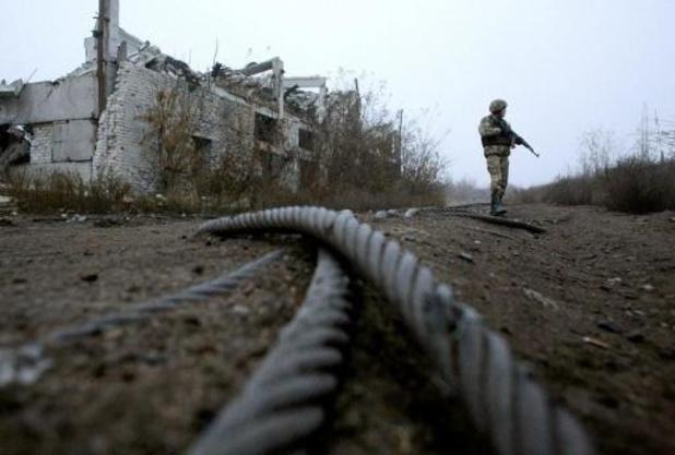 Rebelles et troupes ukrainiennes commencent à s'éloigner de la ligne de front