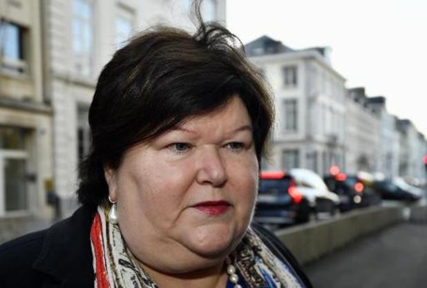 """Maggie De Block: """"Il y a un climat défavorable à l'accueil des migrants en Flandre"""""""