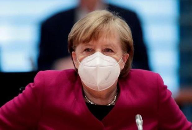 Angela Merkel demande à la Russie de réduire ses troupes à la frontière ukrainienne