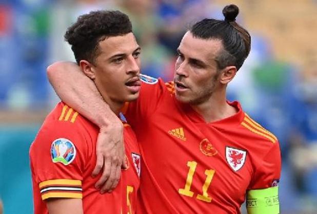 Wales en Denemarken trappen in Amsterdam achtste finales op gang