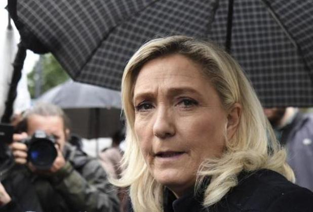 Extreemrechtse Marine Le Pen op bezoek in het door spanningen geteisterde Dijon