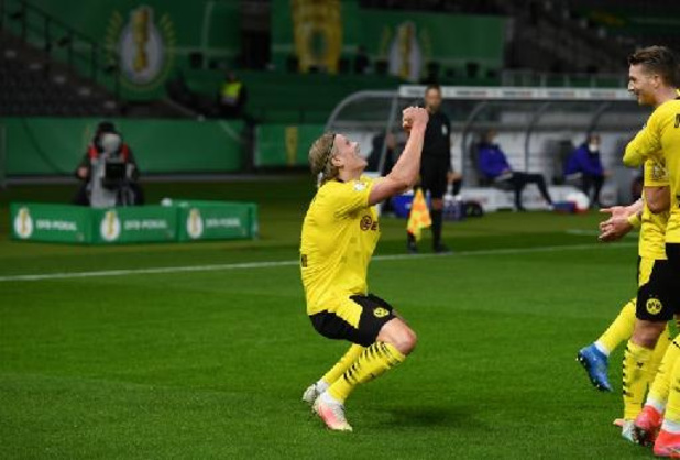 Belgen in het buitenland - Borussia Dortmund triomfeert in Duitse bekerfinale tegen RB Leipzig