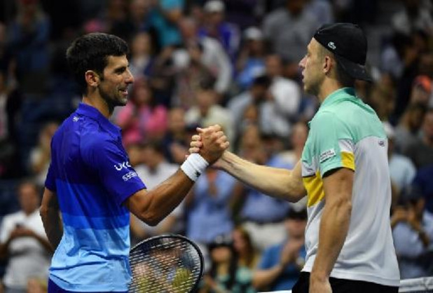 US Open - Novak Djokovic stoot vlot door naar derde ronde