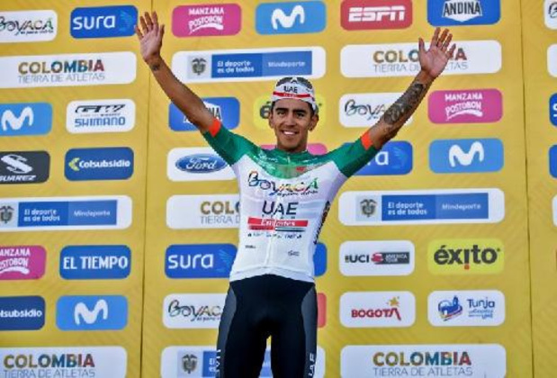 Juan Sebastian Molano (UAE Team Emirates) gagne la première étape au sprint