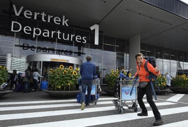 Cent-vingts vols annulés à l'aéroport d'Amsterdam-Schiphol à cause de la tempête