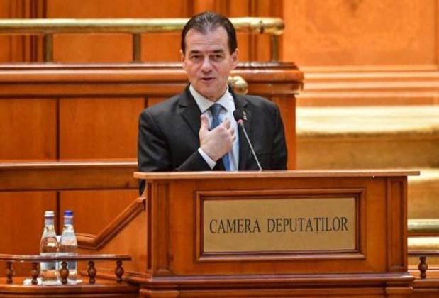 Roumanie: le gouvernement minoritaire libéral obtient la confiance du parlement