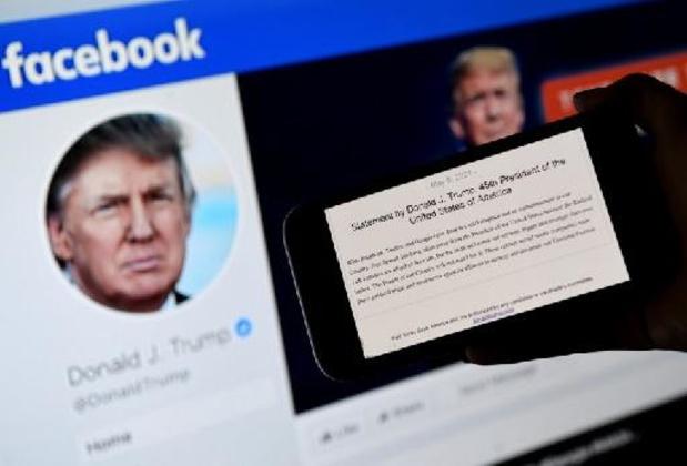 """Privé de réseaux sociaux, Trump abandonne aussi son """"blog"""""""