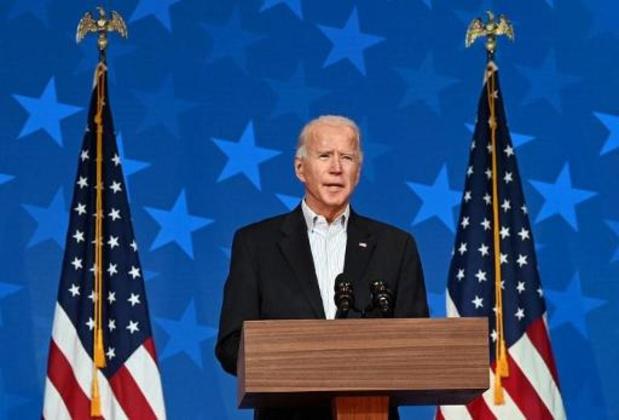 Biden passe devant Trump en Géorgie, le dépouillement continue