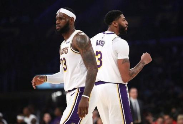 Anthony Davis treedt bij Lakers in voetsporen van Shaquille O'Neal