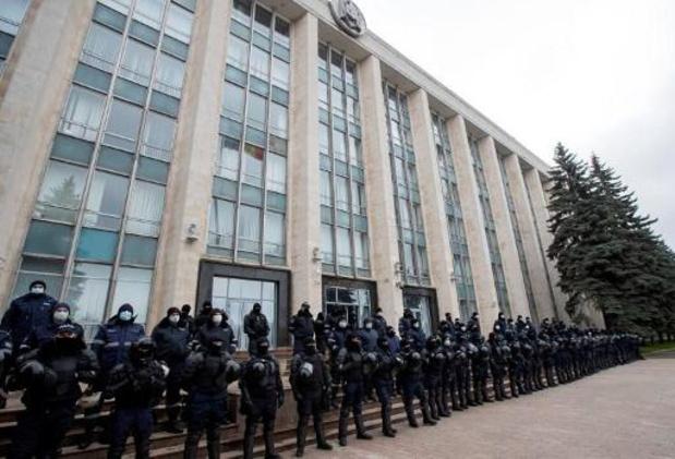 Duizenden mensen op straat in Moldavië om ontslag regering te eisen