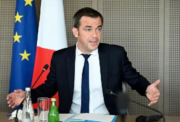 Coronavirus - Frans zorgpersoneel dat niet gevaccineerd is, wordt vanaf 15 september niet meer betaald