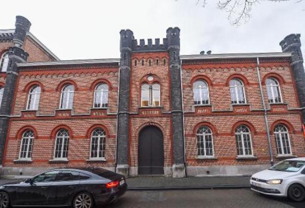 Une caméra et des barbelés supplémentaires à la prison de Turnhout après 5 évasions