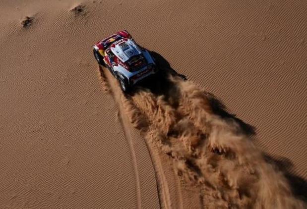 La 10e étape du Dakar raccourcie à cause du vent, Sainz et Barreda vainqueurs