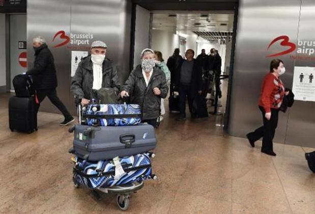 Alle vliegtuig- en treinreizigers worden gecontroleerd