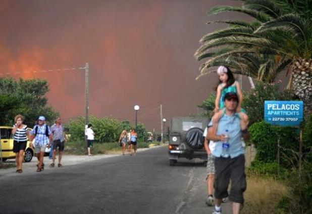 Un important incendie provoque l'évacuation de plusieurs hôtels sur l'île de Samos