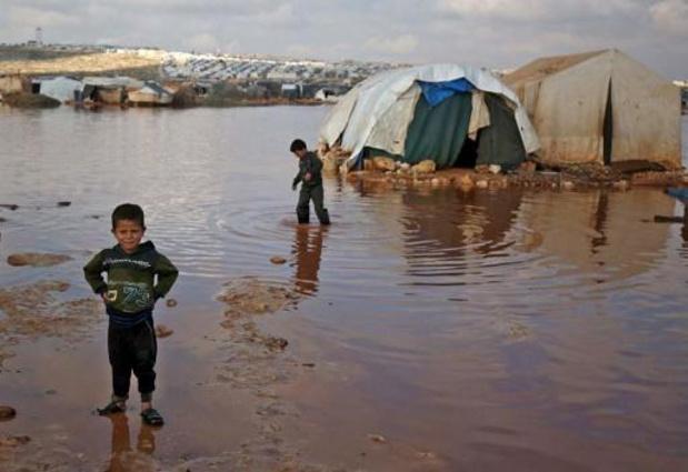 Noodweer in Syrische Idlib maakt problemen voor tienduizenden vluchtelingen nog groter