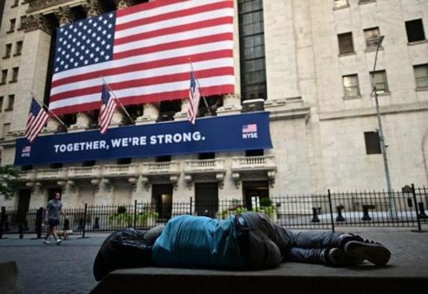 Fin de semaine dans le rouge à Wall Street, plombée par la tech et les tensions