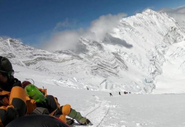 Inquiète du Covid, la Chine va marquer sa frontière au sommet de l'Everest
