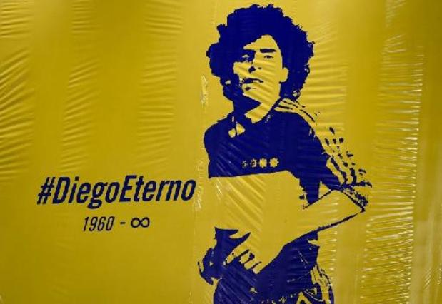 """Maradona a agonisé, """"abandonné à son sort"""""""