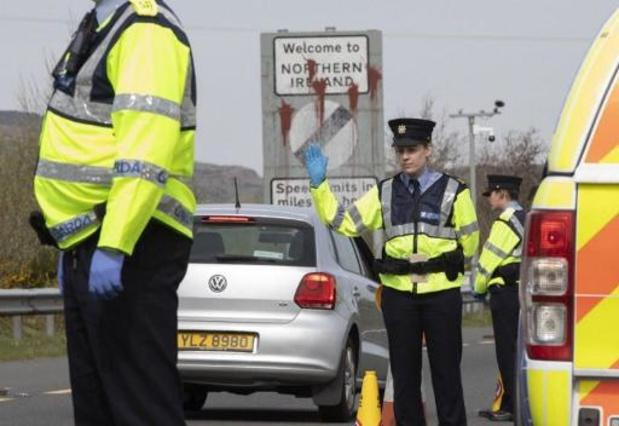 Noord-Ierse minister laat bouw van controleposten in havens stilleggen