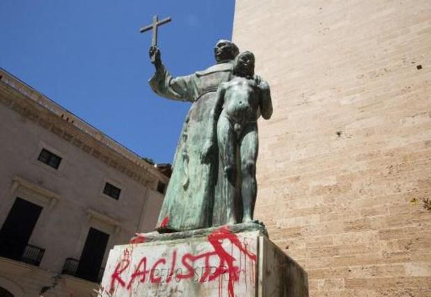 Débats sur la mémoire du colonialisme - Espagne: une statue du missionaire Junipero Serra taguée à Majorque