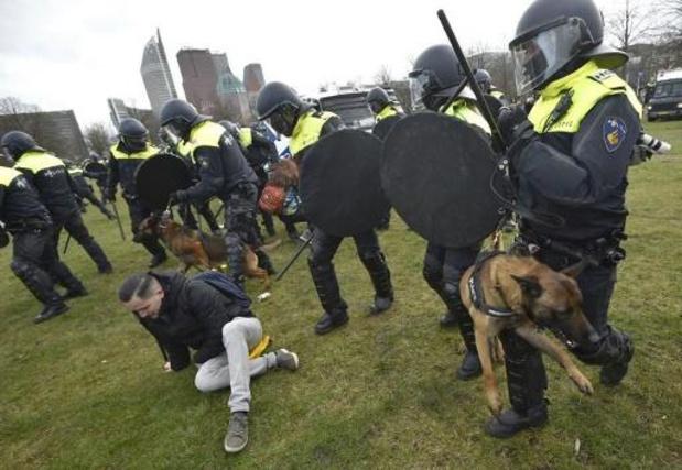 Twintigtal aanhoudingen bij manifestatie in Den Haag tegen Nederlands regeringsbeleid