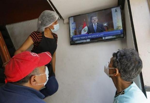Peruaanse interim-president Manuel Merino kondigt ontslag aan